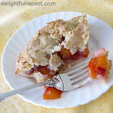 Peach Galette - Peach Crostata - Peach Rustic Tart / www.delightfulrepast.com