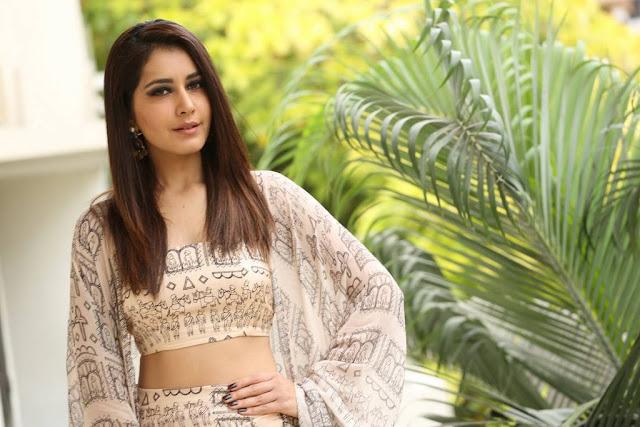 Raashi Khanna Stills At Tholiprema Movie Interview
