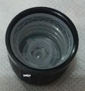 bagian dalam tutup tea tree oil