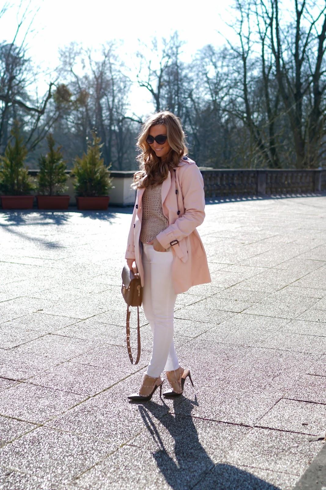 Fashionstylebyjohanna-streetone-Pastellfarbener-Trenchcoat-Frühlingslook-Blogger-Trend-Trendjacke-was-ist-aktuell-angesagt-trenchcoat-fashionstylebyjohanna-blogger-aus-frankfurt