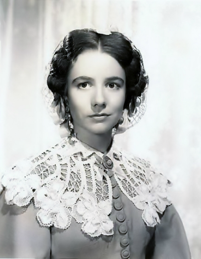 Publicity Photo of Alicia Rhet as India Wilkes in Gone With The Wind wearing headpiece designed by Mildred Blount