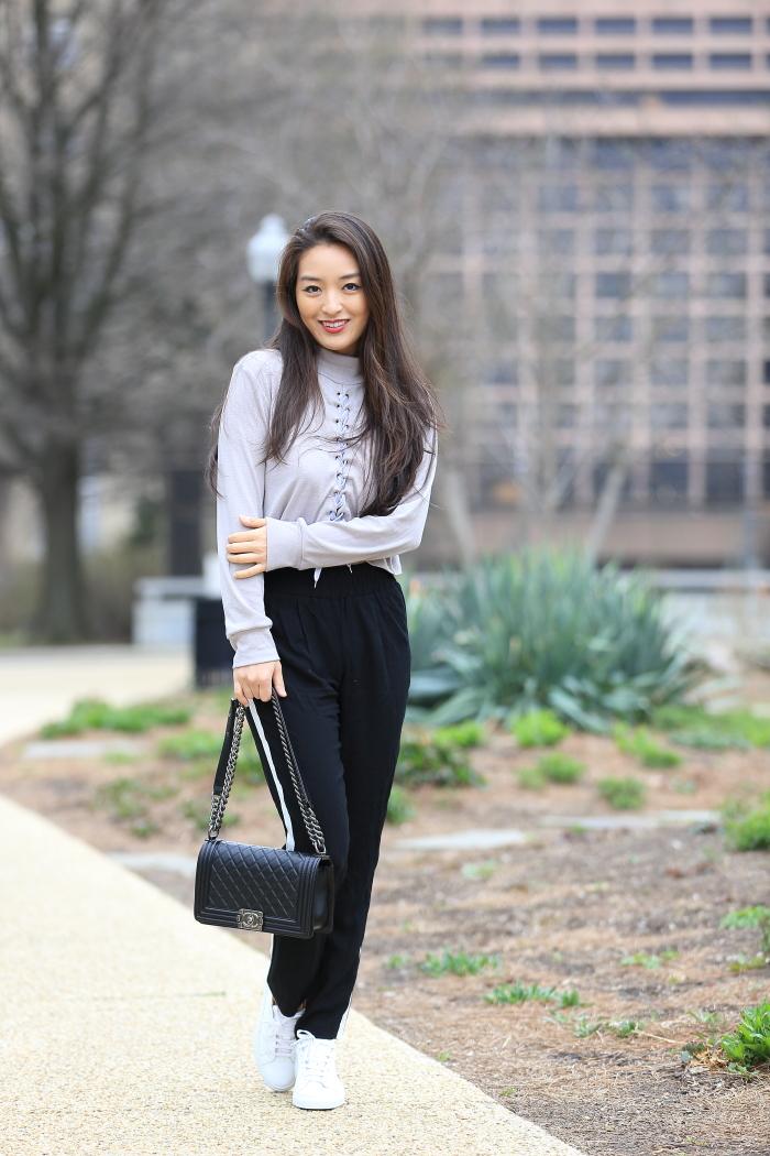korean blogger wears track pants for regular OOTD