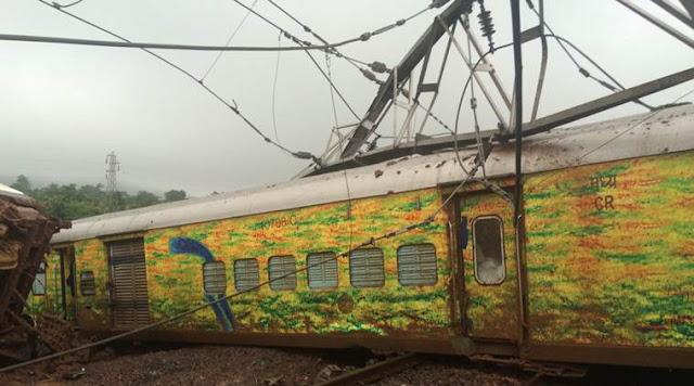 Nagpur-Mumbai Duronto Express, nagpur mumbai train derailed, duronto express, Duranto Express Derailment, nagpur mumbai duronto derails, train accident, duranto accident, nagpur mumbai duranto express, nagpur mumbai train derails, indian express news