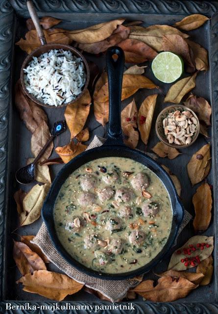 curry, indyk, szpinak, maslo orzechowe, indie, bernika, kulinarny pamietnik