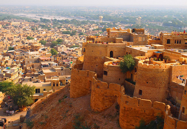 Xvlor Jaisalmer Fort is fortress city built by Rajput Rawal in Thar Desert