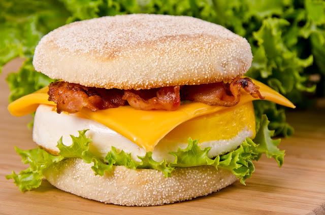 Muffin Surprise Cheapskates Club Easy Meals Recipe File Click through for the recipe