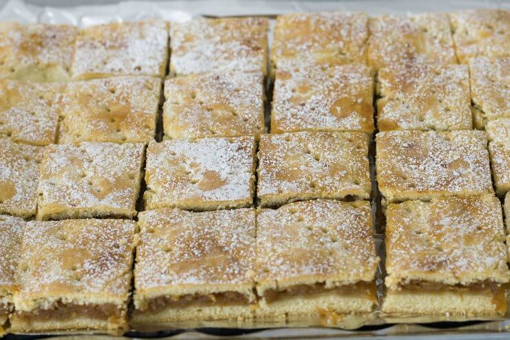 Apple Traybake
