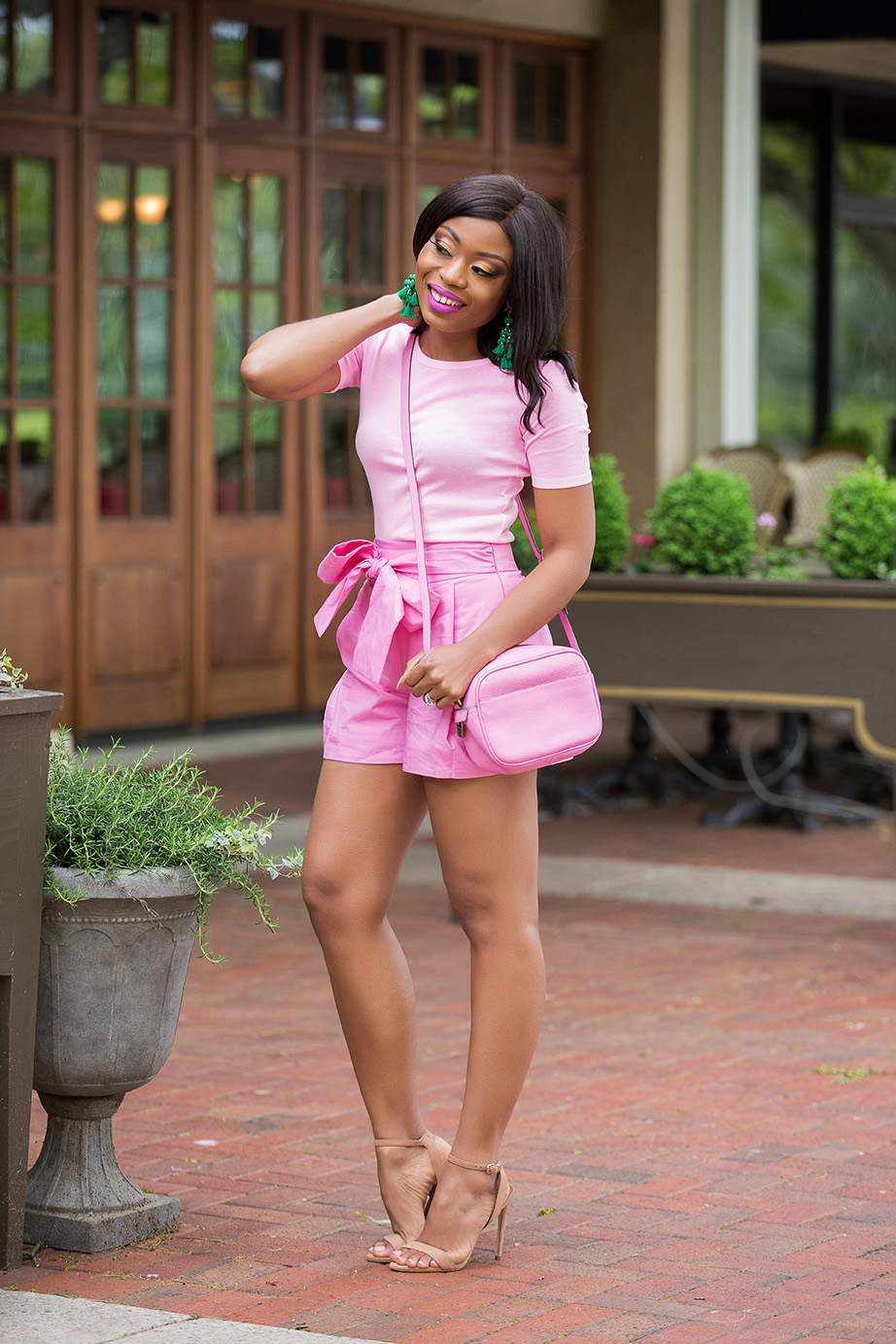 how to wear pink, pink on pink mix, jcrew tie-waist shorts, www.jadore-fashion.com