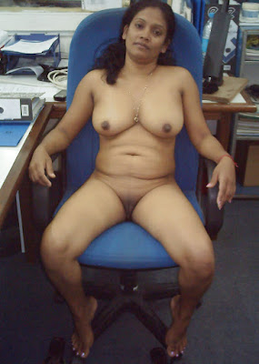 Mumbai Aunty Nude In Office Sex With Boss