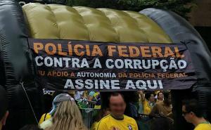 Polícia Federal pede apoio à autonomia da corporação durante manifestação