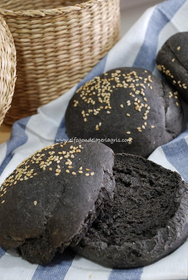 Pan Black Burger o pan de hamburguesa negra