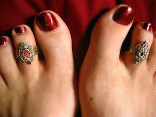 Кольцо на пальце ноги: как выбрать и как носить?. http://prazdnichnymir.ru/ http://parafraz.space/