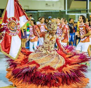 http://www.foliadosamba.com/2016/09/prosa-do-folia-alcione-carvalho-porta.html