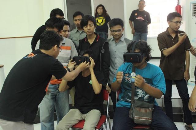 Nyobain MI VR