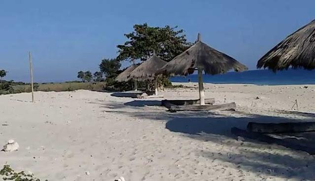 tempat wisata terindah di Sumba Barat Daya MENIKMATI KEINDAHAN PANTAI MANANGA ABA YANG TERSEMBUNYI
