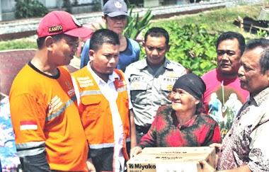 Korban Banjir di Padang Terima Bantuan dari Baznas