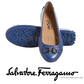 Queen Maxima wore Salvatore Ferragamo flat shoes