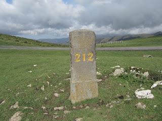 Piedra 212 frontera natural entre España y Francia