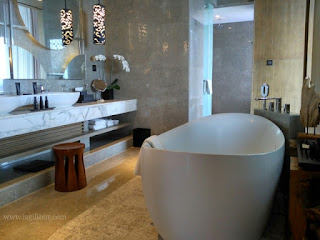 Luxury Bathup Presidential Suite Room Alila Solo