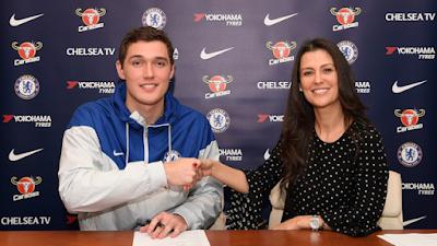 Chelsea có bản hợp đồng đầu tiên trong mùa Đông