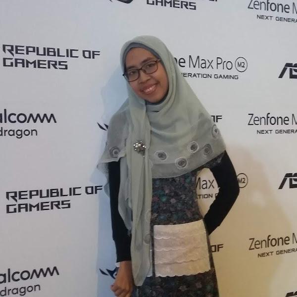 Menggenggam Pekerjaan bagi Blogger Millenial dengan Smartphone Asus Zenfone Max M2