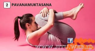 Yoga Pavanamuktasana untuk hilangkan perut buncit.