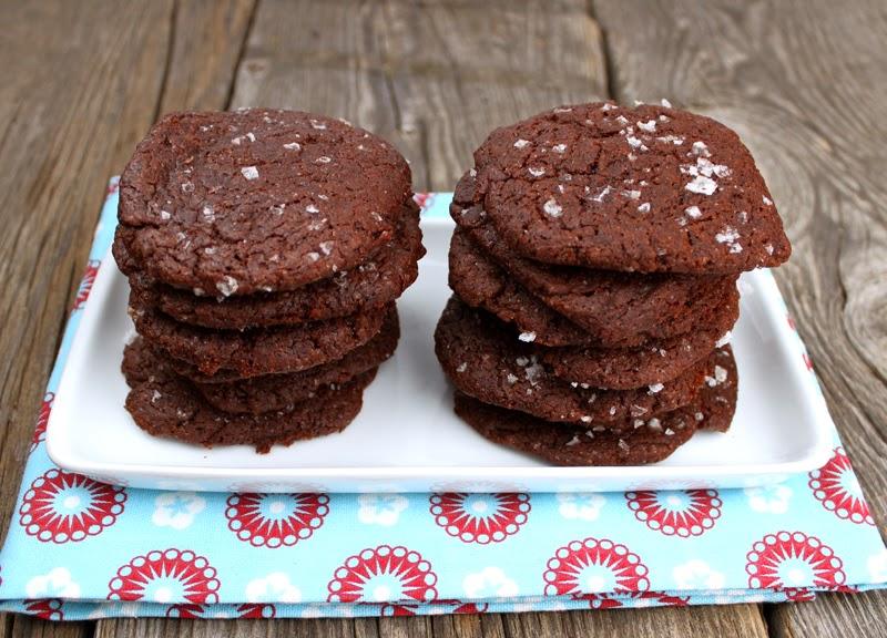 Oppskrift Enkle Hjemmebakte Sjokoladecookies Havsalt Cookies Kakao Uten Egg
