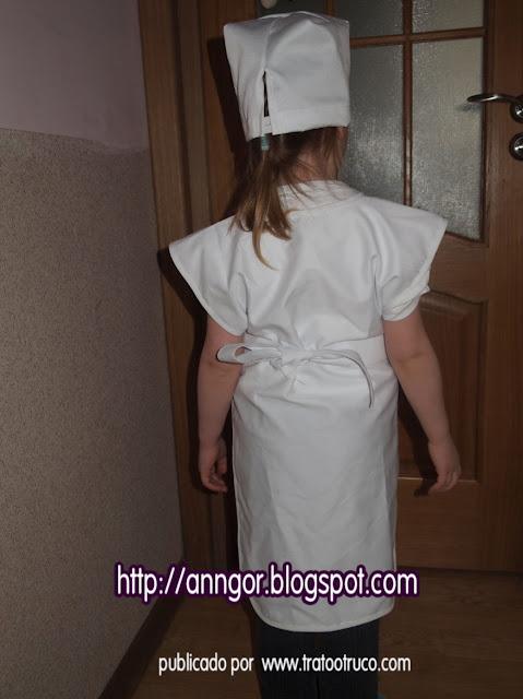 Disfraz de enfermera hecho como un deñantal