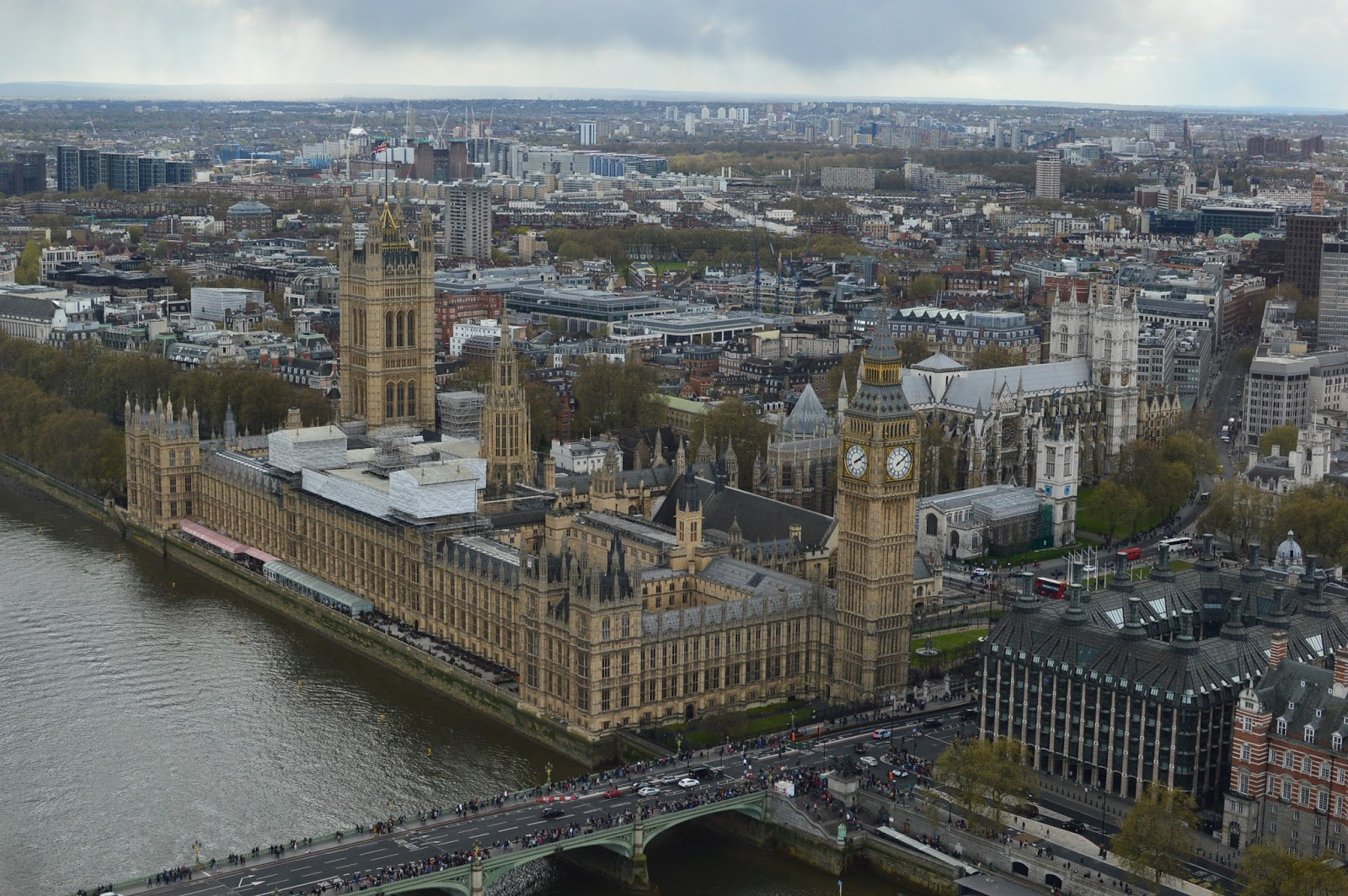 views from the London Eye | is the London Eye worth it | London Eye review | Big Ben London | Big Ben Parliament | London Instagrams