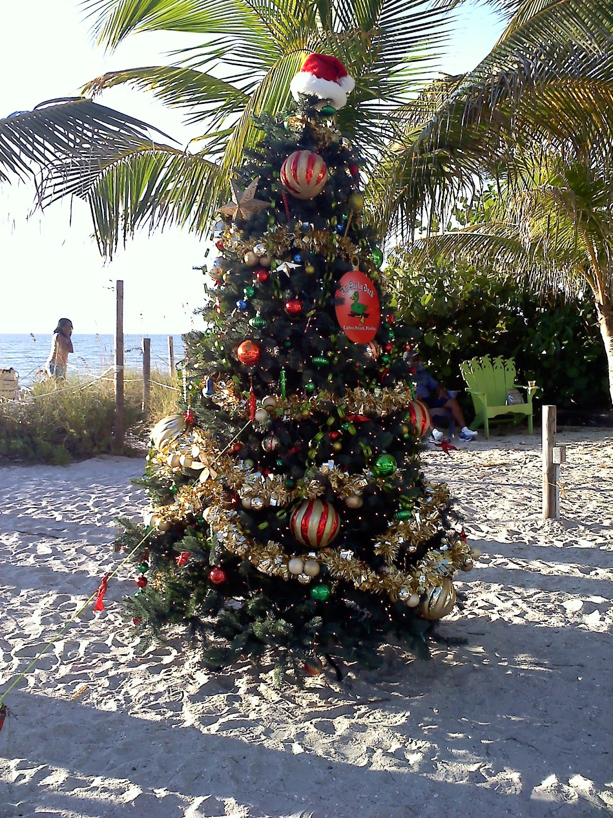 Christmas With Amy: More Signs of Christmas on the Beach
