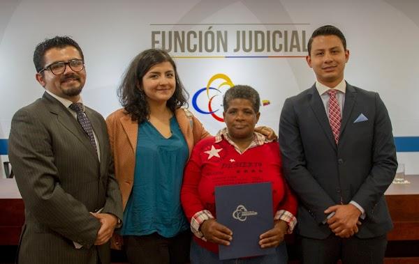 Clínica Jurídica de la USFQ logró que el Estado ecuatoriano ofrezca disculpas públicas en un acto histórico