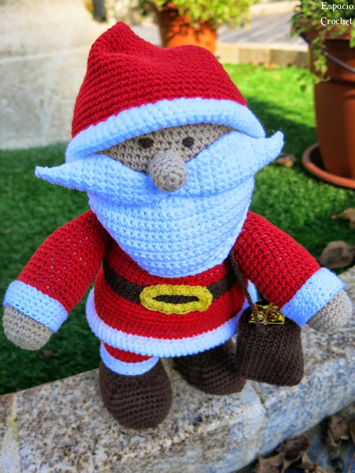 Santa Amigurumi easy crochet pattern | 1600x1200
