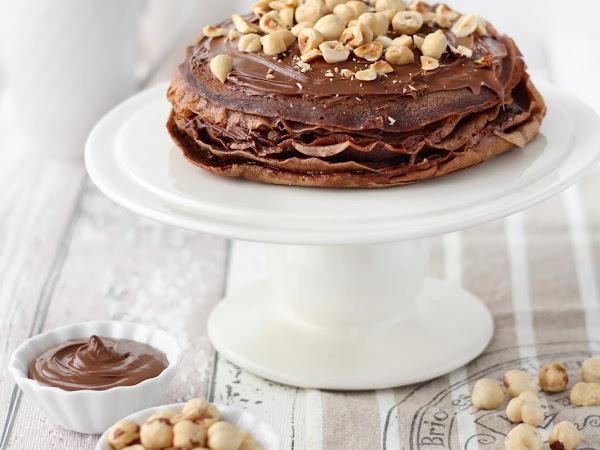 Torta di crepes al cioccolato e nocciole