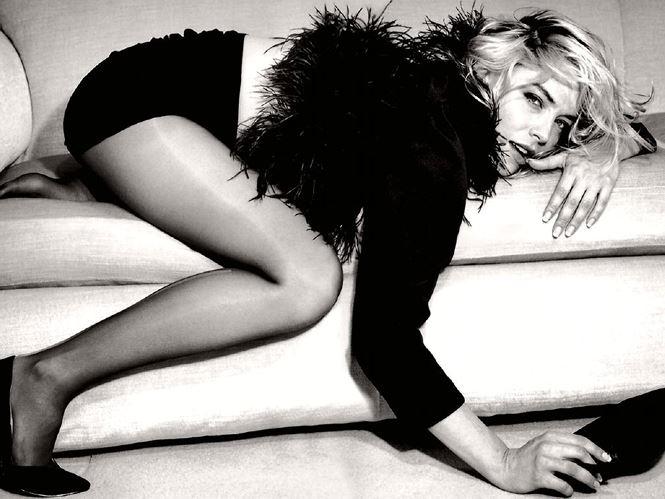 Nhan sắc 'thanh xuân rực lửa' của mỹ nhân 'Bản năng gốc' Sharon Stone - Ảnh 5