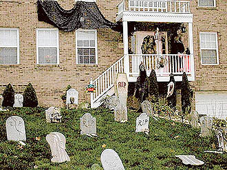 Scary Halloween Decoration : Let's Celebrate!