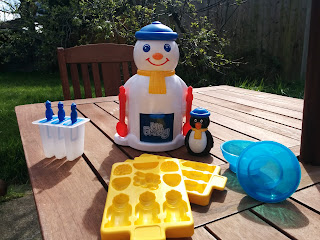 Mr Frosty fresh from the box with all his accessories