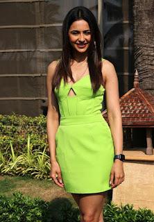 Beautiful Indian Girl Rakul Preet Singh Long Cross Legs In Green Top (5)