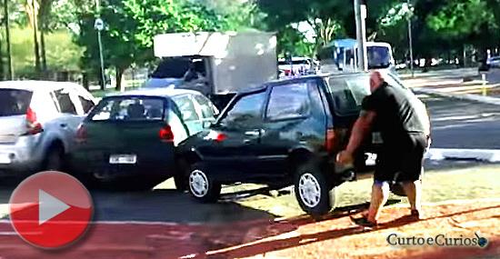 'Hulk' ciclista mostra por que nunca devemos estacionar na ciclovia...