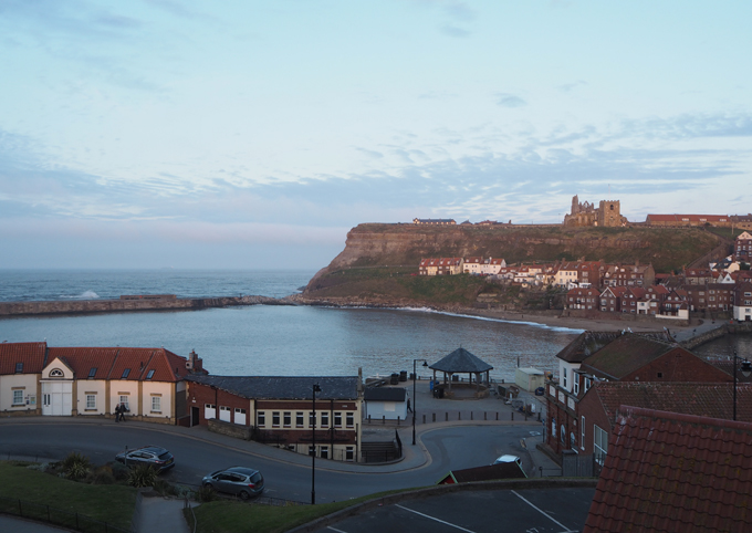 Travel Guide to Whitby abbey and harbour