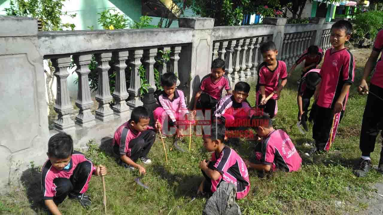 Jumat Bersih Ajarkan Siswa Gotong Royong Sekaligus ...
