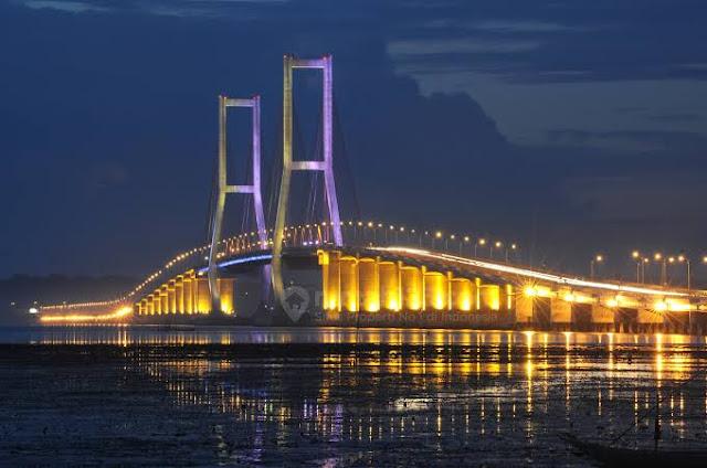 Jembatan Suramadu, Penghubung antara Surabaya dan Madura