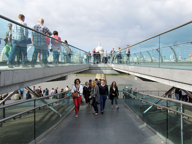 Southern ramp of the Millennium Bridge, Bankside, Southwark, London