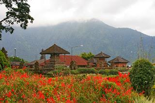 temple Puri Ulun Danu Bratan. храм Пури Улун Дану Братан