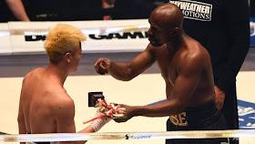 Mayweather beats Japan's Tenshin Nasukawa In Just Two Minutes
