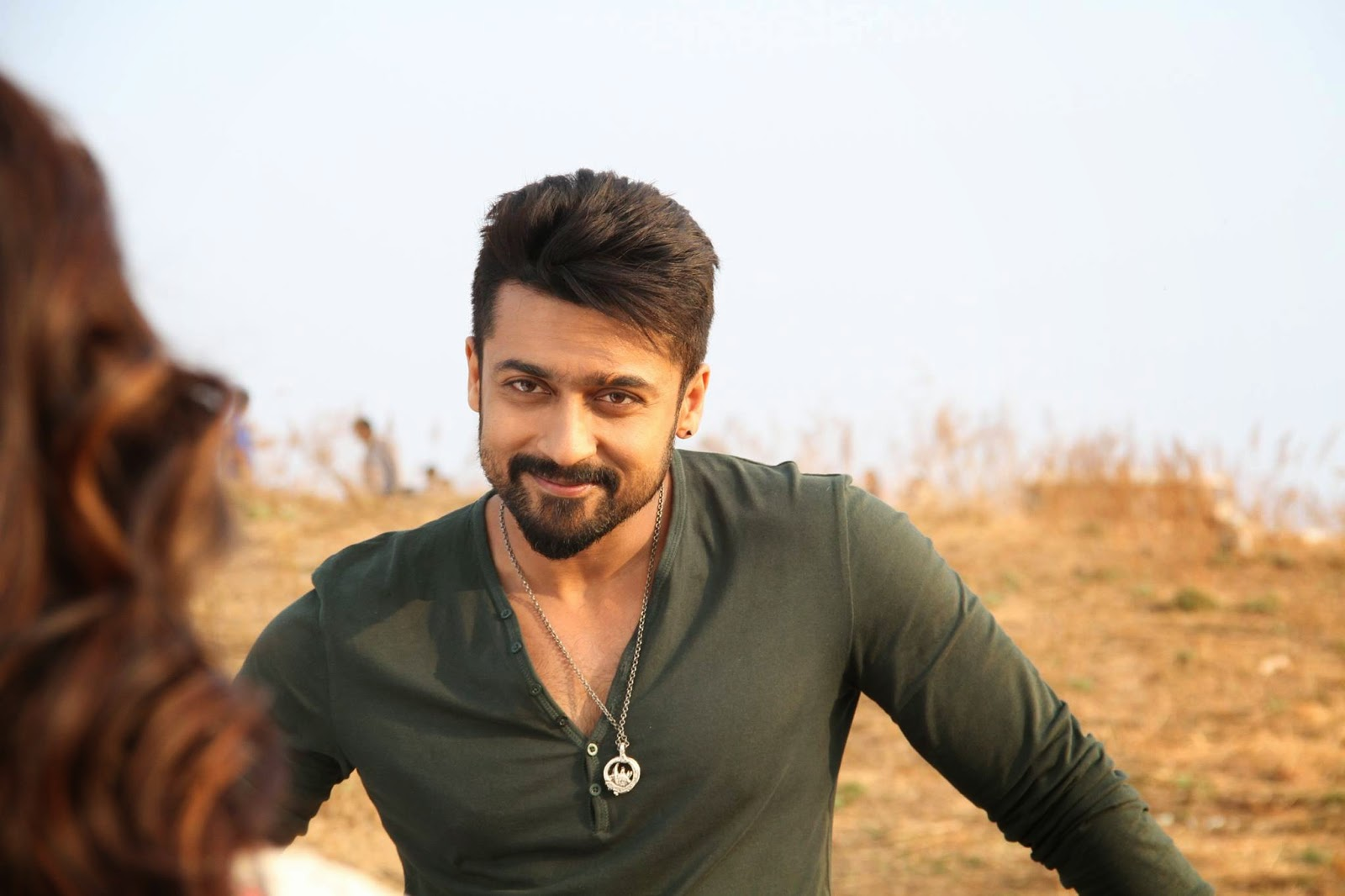 hair style stills anjaan 2014 firstlook images photos gallery in hd 8765