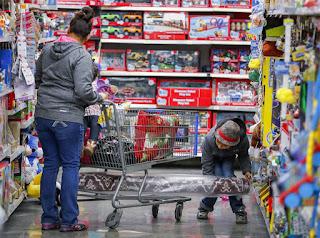 Atenção! Lojas sobem os preços antes dos descontos da Black Friday!