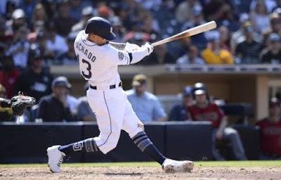 Manny Machado pega su primer jonrón para los Padres de San Diego