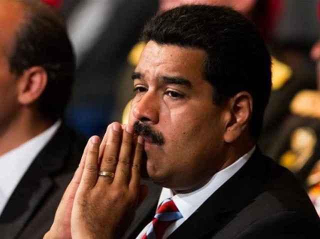 Maduro dice que ha pedido al Papa ayuda para el diálogo