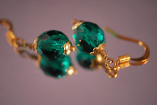 https://www.etsy.com/se-en/listing/467398579/forest-green-dangle-earrings-czech-fire?ref=shop_home_active_12