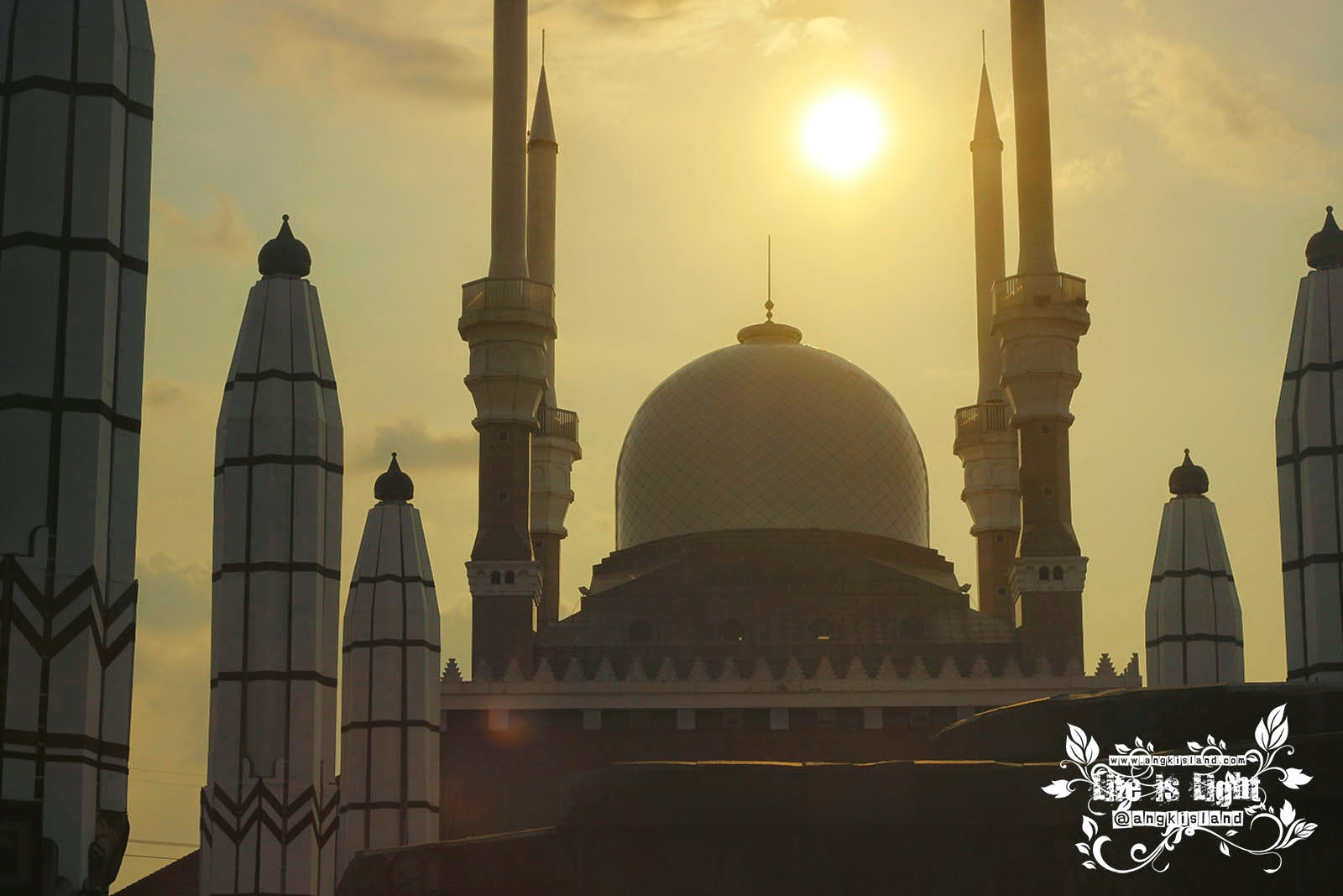 Senja Masjid Agung Jawa Tengah